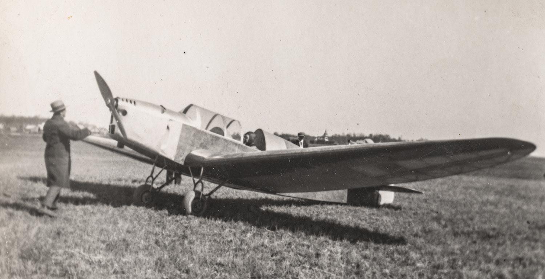 Heinz von Ungern-Sternbergi mehaanikatöökojas ehitatud monoplaan ES-AAC